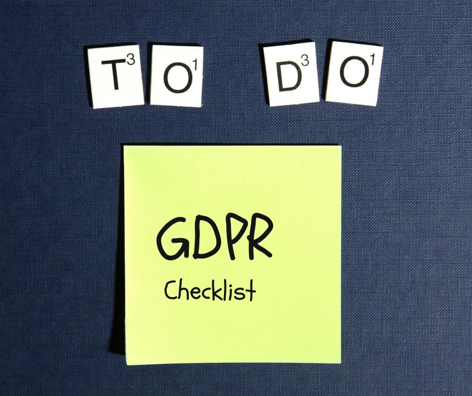 checklist gdpr - post it giallo su fondo blu gdpr to do list